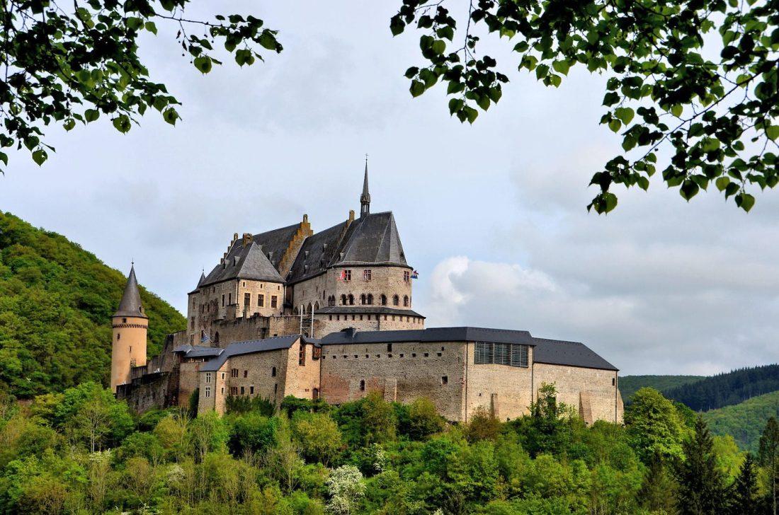 Luxembourg-Vianden-Vianden-Castle-1440x954